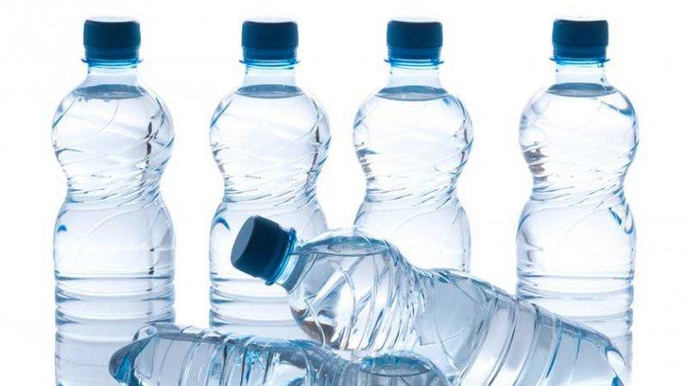 Humanitzem ampolles d'aigua